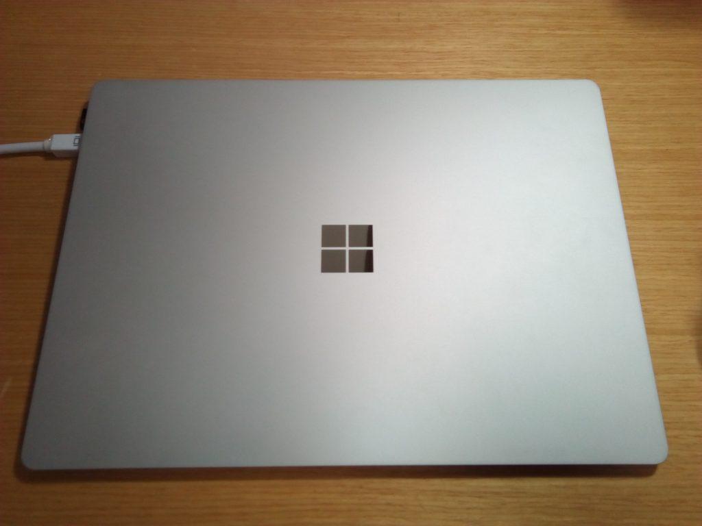 新しいパソコンは見かけで決定。Microsoftの Surface Laptopを購入して2カ月